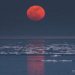 Луната повелителка на ноща и съня